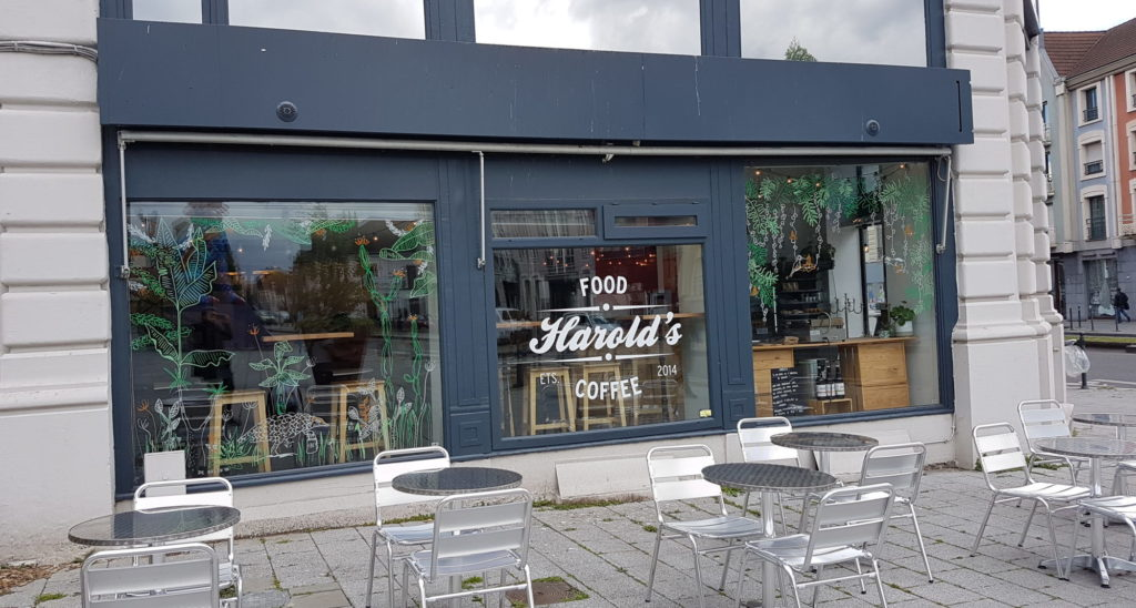 HAROLD'S FOOD AND COFFEE PORTRAIT DE COMMERÇANT