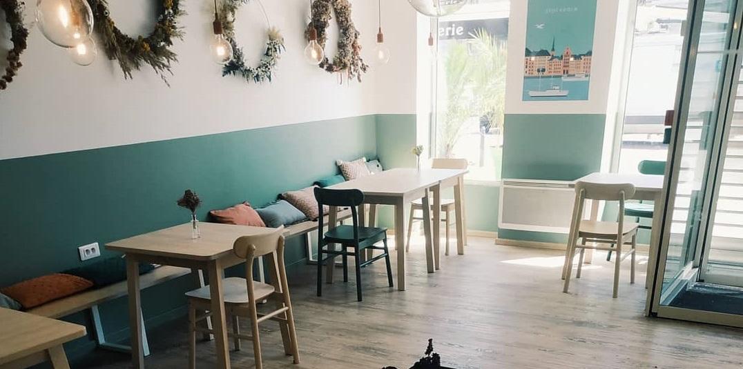 FREYJA NORDIC CAFE, PORTRAIT DE COMMERÇANTE